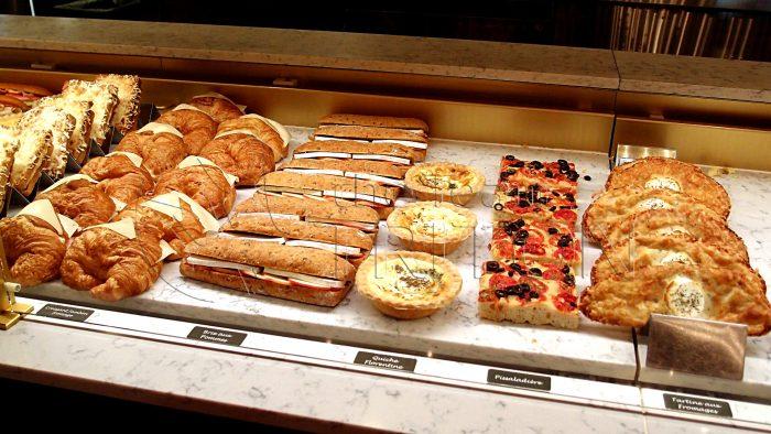 epcot-France-bread