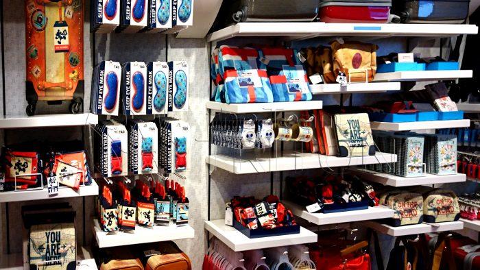 DS-TAG-merchandise-shelf-001
