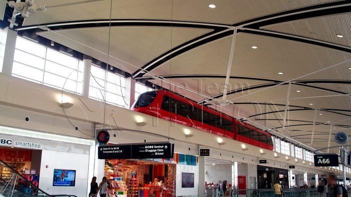 DTW-express-tram-001