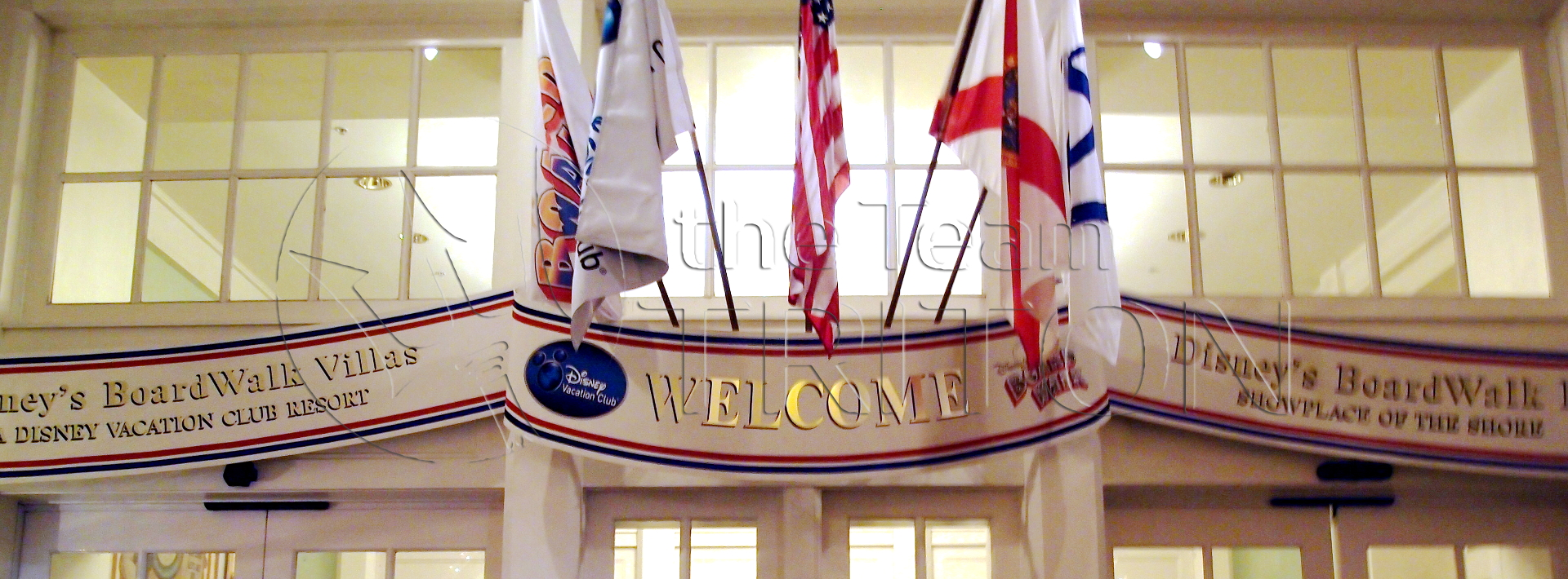 BoardWalk-entrance-flags-001