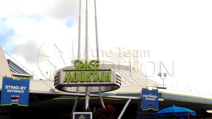 MK-space-mountain-signboard-001
