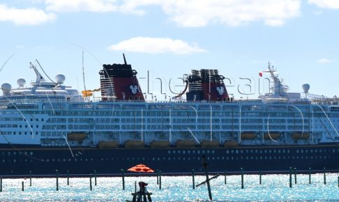 DCL-disney-magic-at-castaway-cay-001