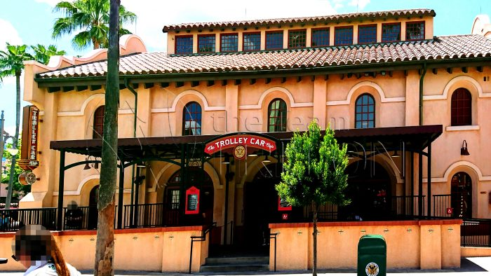 HW-The-Trolley-Car-Cafe-exterior-001