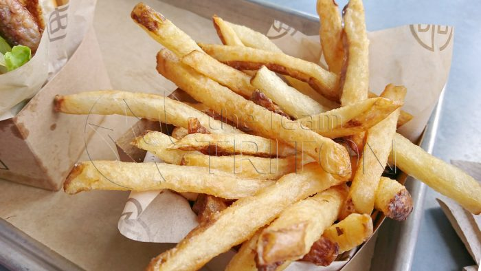 DS-D-Lux-Burger-fries-002