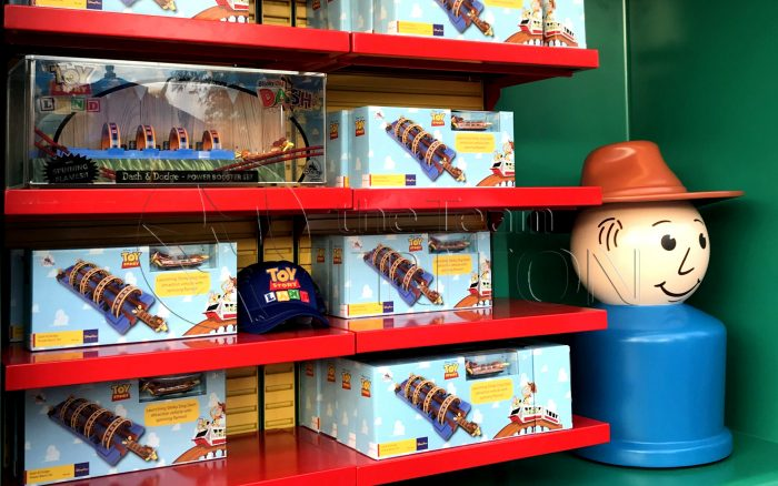 Toy-Story-Land-merchandise-toy-opening-001
