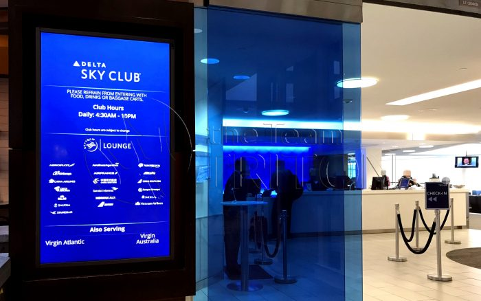 MSP-Delta-Sky-Club-entrance-out-001