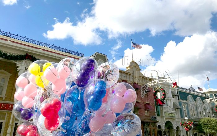MK-Balloon-on-Main-Street-USA-001