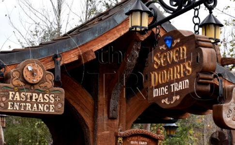 MK-Seven-Dwarfs-Mine-Train-Entrance-Marquee-001