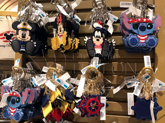 DCL-Merchandise-Keychain-Characters-001
