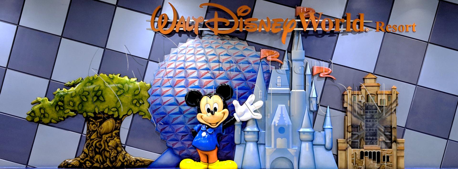MCO-Disney-Merchandise-3D-signe-001