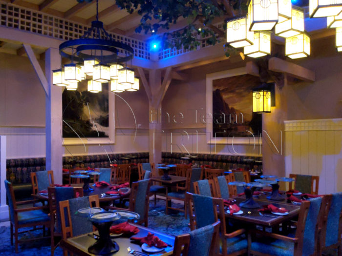 Storybook-Dining-at-Artist-Point-Tables-001