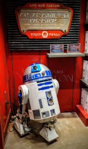 SWGE-Droid-Depot-Life-Sized-Custom-Astromech-Unit